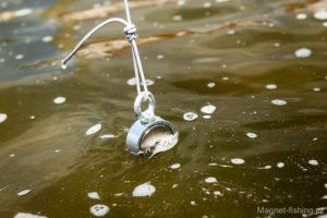 Magnet fishing, magnetický lov.