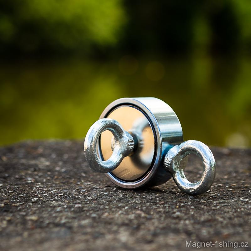 Oboustranný magnet pro magnet fishing.